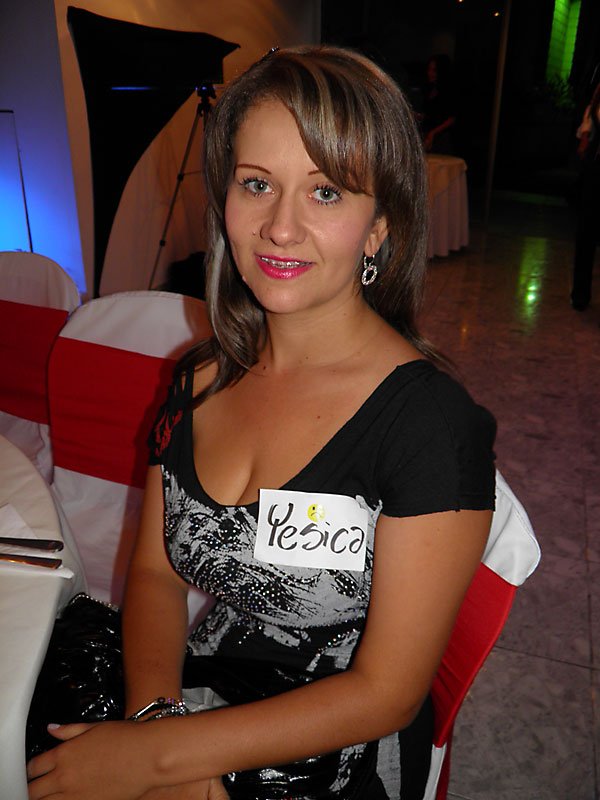 medellin singles Exciting medellin singles tour meet and fall in love with a single medellin women and enjoy the paradise of exotic beauty medellin has to offer.