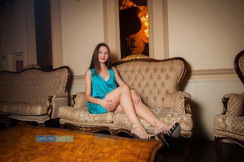 Asian brunette slut horny